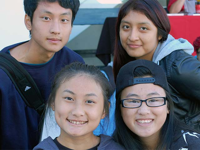 4-smiling-students