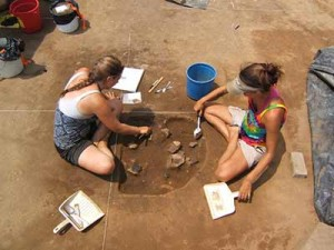 Excavating-Joara-and-Fort-San-Juan-at-the-Berry-site-in-Burke-County_web